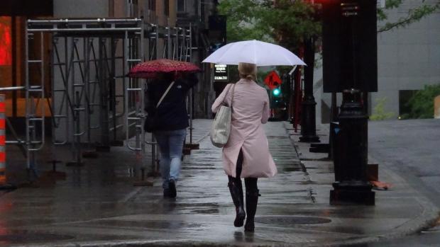 montreal-rain-umbrella